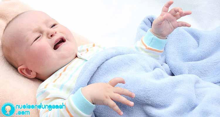 Nguyên nhân và cách chữa táo bón cho trẻ sơ sinh