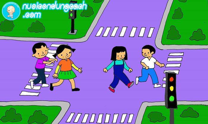 dạy trẻ cách nhận biết phần đường dành cho người đi bộ
