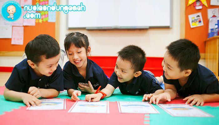 Dạy con kỹ năng giao tiếp trước khi con vào lớp 1