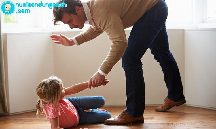 Làm sao để con trẻ không hư?