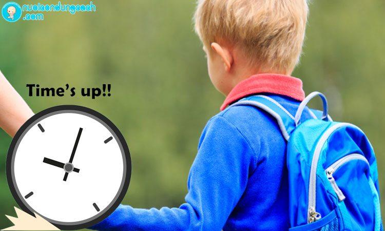 Đưa con đi học đúng giờ