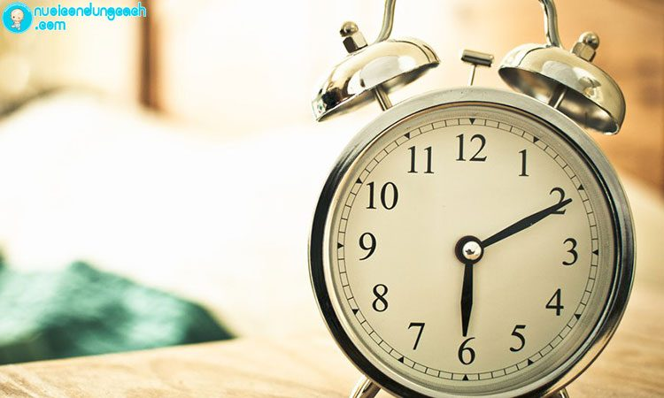 Làm thế nào để con dậy đúng giờ?