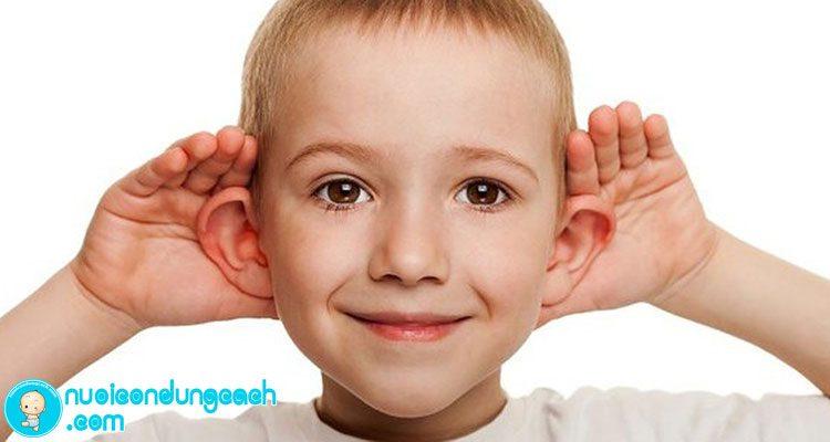 dạy trẻ kỹ năng lắng nghe