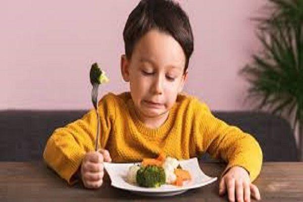 Cha mẹ cần làm gì để con thích ăn rau?
