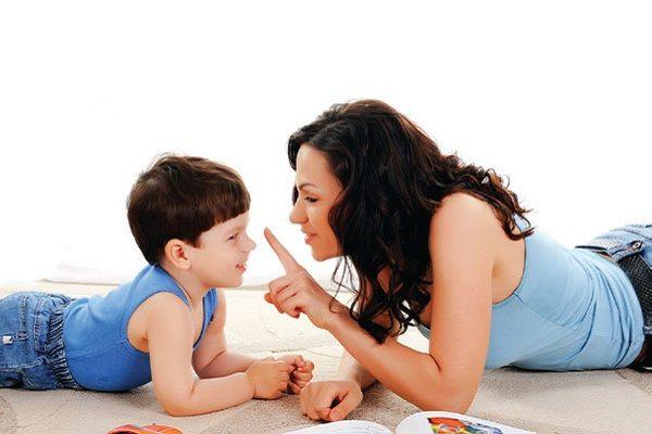 Những cách giúp con sống trách nhiệm ngay từ khi còn nhỏ.
