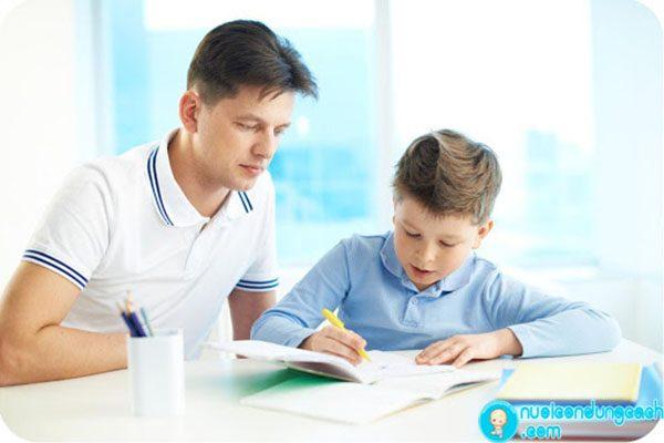 Cha mẹ cần làm gì để con học giỏi môn Văn