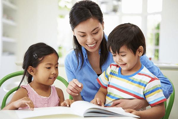 dạy con kỹ năng giao tiếp với người lạ