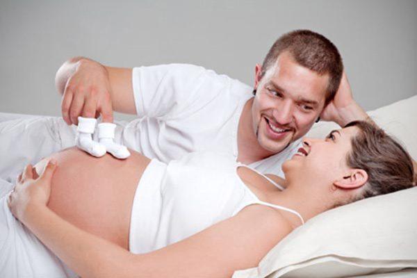 Tại sao mẹ bầu cần thai giáo sớm?