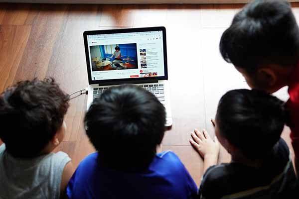 Thử thách trên mạng xã hội và những hậu quả khó lường